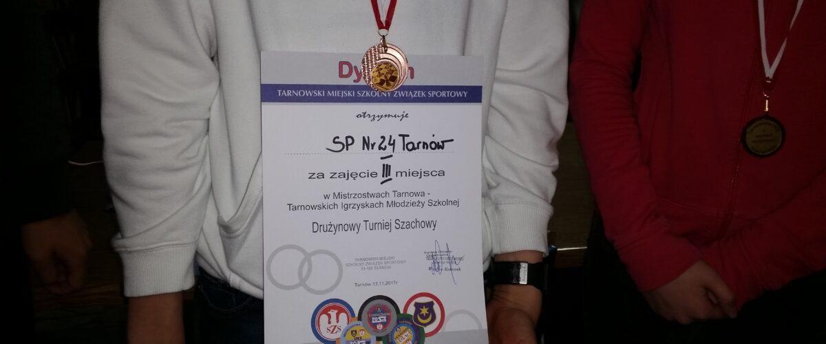 III miejsce w Tarnowskich Igrzyskach Młodzieży Szkolnej w szachach drużynowch
