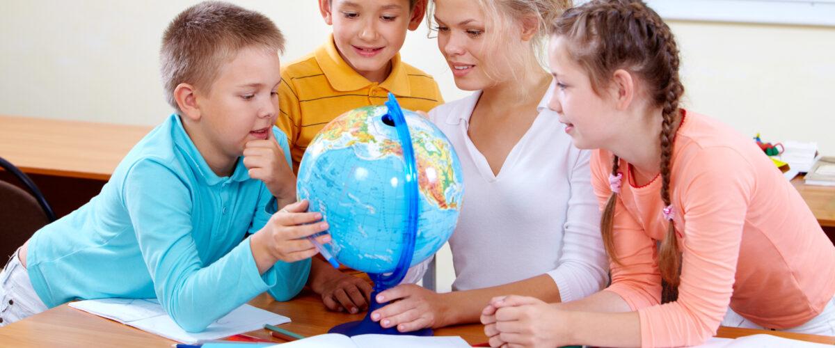 Uczniowie 7A i 7C SP Nr 24 na zajęciach terenowych z geografii