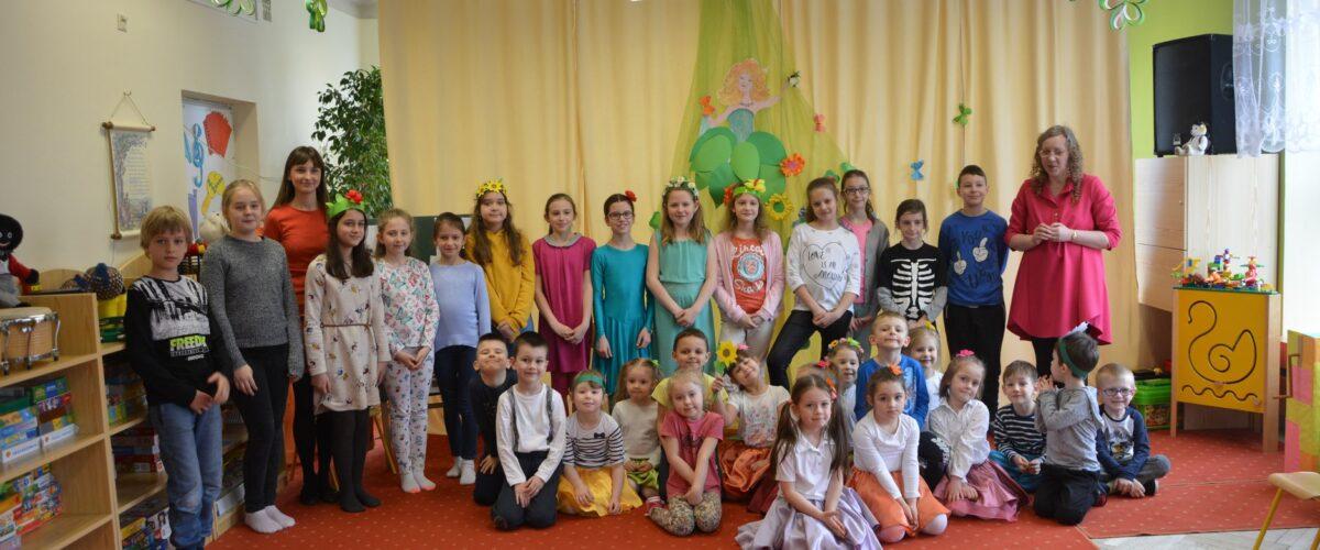 Zajęcia języka angielskiego uczniów 4B z przedszkolakami z PP Nr 34 w Tarnowie