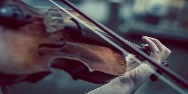 Mini koncert gry na skrzypcach w 2B